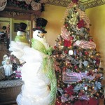 Turners decking the halls: Christmas open house benefits Relay for Life